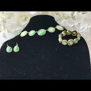 Jewelry - Mint statement necklace earings and bracelet